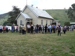 huge-crowd-church-wildwood